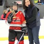 Novice B:Joueur par excellence Steven Dubé, Garage Didier La Vallée, trophée commandite Servitech Inc, remis par Mme Cathy D'Auteuil, représentante Hockey Matane