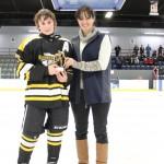 Pee-wee A: Joueur par excellence: Henri Santerre, Stars Matane, trophée commandite Duotech Construction Inc, remis par Mme Claudia D'Anjou, représentante Hockey Matane