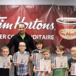 GUS: Les joueurs avec leur médaille et certificat avec leur entraîneur